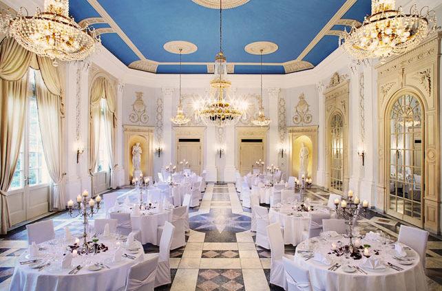 Der Beethovensaal im La Redoute ist ein Saal mit ganz besonderer Geschichte und besticht durch stillvoller Eleganz.