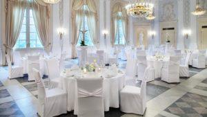 Der Beethovensaal besticht durch seine stillvolle Eleganz und eignet sich hervorragend für Hochzeiten im La Redoute.