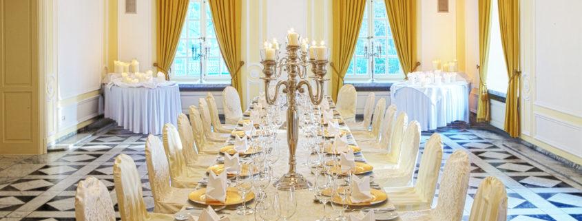 Der Gelbe Salon der La Redoute eignet sich hervorragend für festliche Galas und vielen mehr.