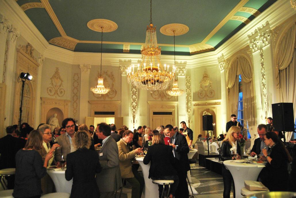 Sie planen eine Tagung oder Konferenz, dann stellen wir Ihnen den Beethovensaal der La Redoute in Bonn vor.
