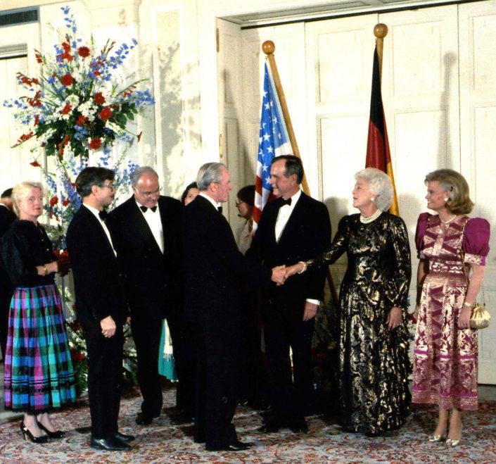 Empfang in der La Redoute in Bonn Bad Godesberg mit Helmut Kohl und Präsident Bush Senior.