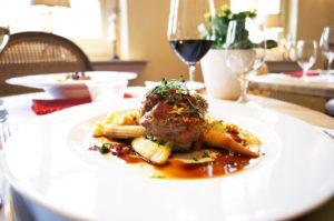 Ob Fleischliebhaber oder Vegetarier- hier ist für jeden Geschmack etwas Leckeres dabei. Das Restaurant Redüttchen Team freut sich auf Sie.