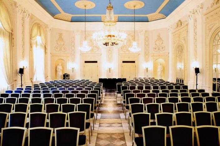 Tagungen in der La Redoute sind hervorragend geeignet für Veranstaltungen mit Stil, in einem Saal mit historischer Geschichte.