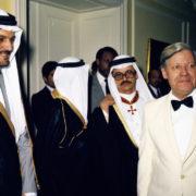 Helmut Schmidt empfing u.a. arabische Gäste in der La Redoute in Bonn Bad Godesberg.