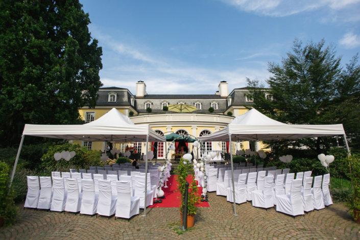 Ihre Hochzeit auf unsere Terrasse vom Beethovensaal in der La Redoute in Bonn Bad Godesberg.