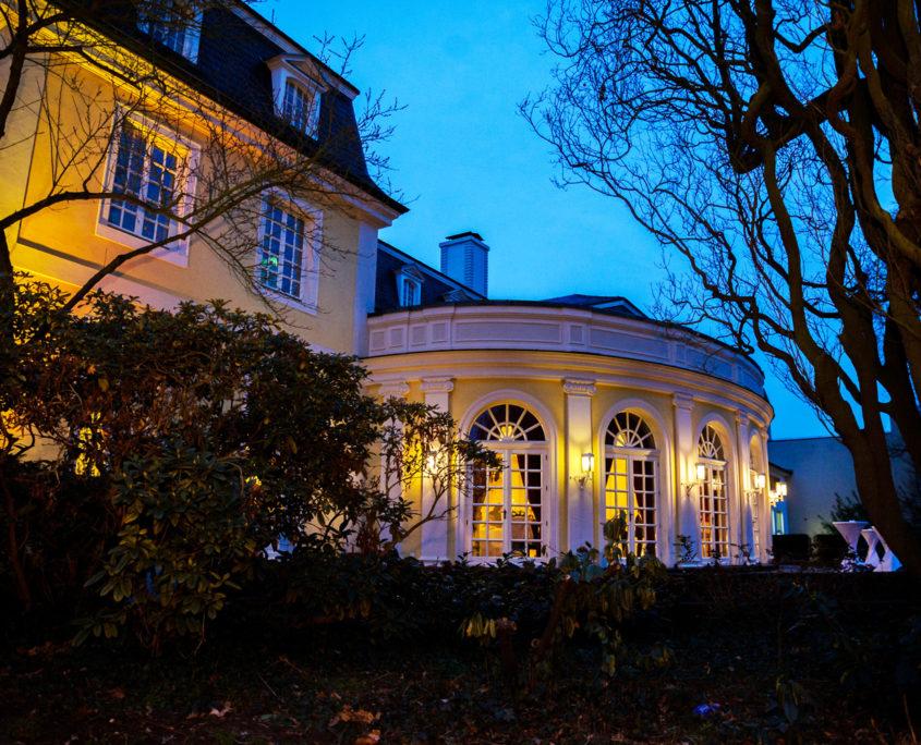 Die Schönheit der La Redoute am Abend in Bonn Bad Godesberg.