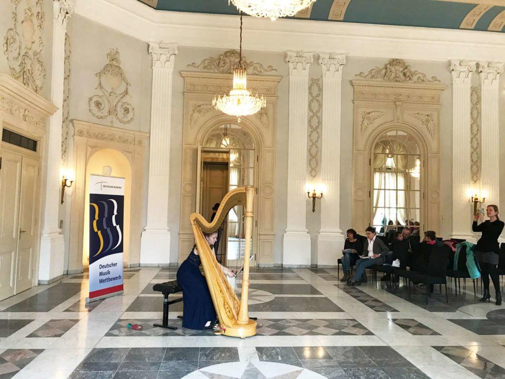 Großer Raum für große Talente! Mit ihrem fantastischen Spiel zauberten alle Harfenisten im Deutschen Musikwettbewerb Gänsehautfeeling in den Beethoovensaal!
